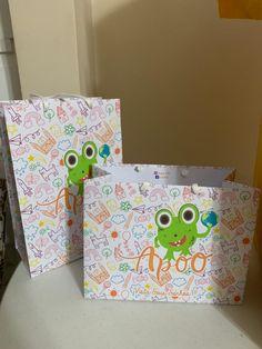 Todo nosso carinho impressos em nossas embalagens! Gift Wrapping, Gifts, Physical Intimacy, Packaging, Gift Wrapping Paper, Presents, Wrapping Gifts, Gift Packaging, Gifs