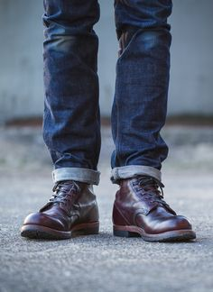 REDWING BECKMAN BOOTS 9011 Red Wing Boots, Jeans Und Sneakers, My Amazing Boyfriend, Mens Boots Fashion, Mens Attire, Komplette Outfits, Equestrian Outfits, Mens Fall, Sneaker Boots