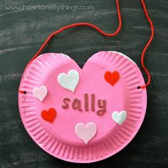 Easy DIY Valentine Holder | AllFreeKidsCrafts.com