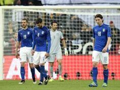 Germania - Italia 4 a 1. Montolivo, Thiago Motta e Bonucci affranti dopo la sconfitta.