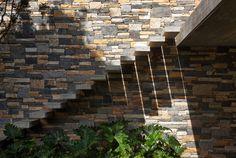V4 House : Casas modernas por Studio MK27