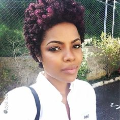 Tapered Afro - I love her hair! Natural Curls, Natural Hair Care, Natural Hair Styles, My Hairstyle, Afro Hairstyles, Braid Out, Natural Hair Inspiration, Natural Hair Journey, Curly Girl