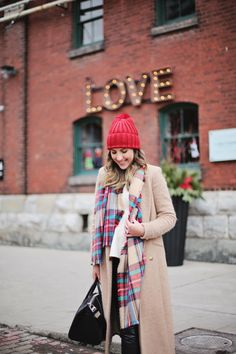 Neal and I love visiting the Toronto Christmas Market in the Distillery District every year. The idea was adopted from Europe, creating a cozy marketplace filled with hot toddys, warm treats, ornaments and other seasonal, one of a kind pieces...