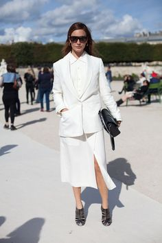 STREET STYLE SPRING 2013: PARIS FASHION WEEK - It's rare to get it wrong in white on white.
