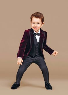 Discover the new Dolce & Gabbana Children Boy Collection for Fall Winter 2016 2017 and get inspired. Dolce & Gabbana, Dolce And Gabbana Kids, Wedding Outfit For Boys, Boys Wedding Suits, Little Boy Fashion, Kids Fashion Boy, Little Man Style, Baby Boy Dress, Blazer For Boys