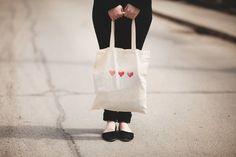 red heart cotton tote bag por shoppaperhearts en Etsy