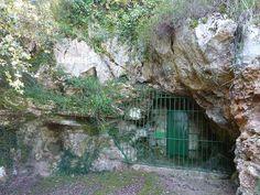 Cueva de Las Chimeneas,Puente Viesgo (Cantabria).