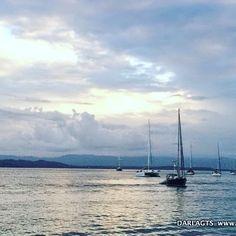 Un mar en calma puede ser la mejor medicina.  A calm sea can be the best medicine.  Bocas del Toro Panamá.  #bocasdeltoro #Caribe #navegando #Caribbean #boatlife