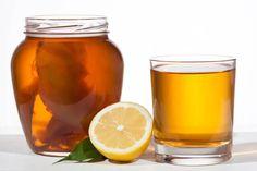 Kombucha-Pilz für Körper & Haut Kombucha ist ein Getränk, das aus gesüßtem Schwarzem oder Grünem Tee und dem Kombucha-Pilz hergestellt wird.