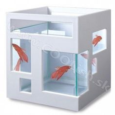 Umbra Fish Hotel - If I ever let my kids get a fish.they will stay in this hotel! Home Design Decor, House Design, Home Decor, Best Friends Pets, Cool Fish Tanks, Dream Bedroom, Online Furniture, My Dream Home, Small Spaces