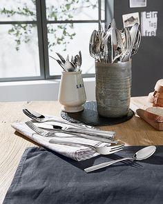 Gedeckter Tisch - Schöne Idee das Besteck anzubieten