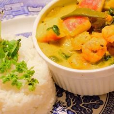 favourite and most delicious curry recipes. From fragrant to seriously hot, this is where you'll find some curry inspiration. Curry Stew, Coconut Sauce, Sugar Snap Peas, Stuffed Sweet Peppers, Fish Sauce, Curry Recipes, Stir Fry, Finger Foods, Food Dishes