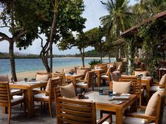 Tour The Westin Resort Nusa Dua, Bali with our photo gallery. Our Nusa Dua hotel photos will show you accommodations, public spaces & more. Bali Restaurant, Restaurant Offers, Beach Hotels, Hotels And Resorts, Nusa Dua Hotels, Small Buffet Table, Bali Nusa Dua, Outdoor Venues, Outdoor Decor