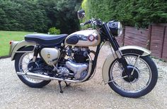bsa gold flash 1960 - Dads old bike )) British Motorcycles, Vintage Motorcycles, Cars And Motorcycles, Bsa Motorcycle, Motorcycle Style, Triumph Motorbikes, Biker Chic, Old Bikes, Classic Bikes