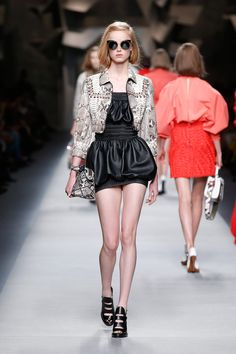 A runway look from the Fendi Spring/Summer 2016 collection