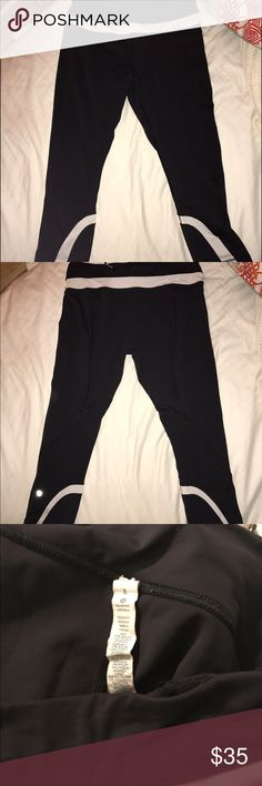 lululemon crops 8 yes there's signs of wear and some piling. still very comfy. lululemon athletica Pants Ankle & Cropped