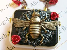 Music box necklace Pendant BEE - Secret Garden-It would be so pretty on a box done in quilling-good idea!