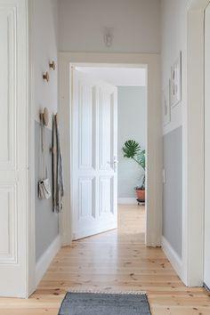 white hallway / ferm living, nomess, h&m home, ikea | wohnideen, Innenarchitektur ideen