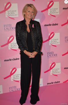 """Sophie Davant - Soirée de lancement d'Octobre Rose (le mois de lutte contre le cancer du sein) au Palais Chaillot à Paris le 28 septembre 2015. Lors de cette soirée prestigieuse, les équipes de l'association """"Le cancer du sein, Parlons-en!"""" et les dirigeants du groupe Estée Lauder illumineront la Tour Eiffel en rose."""
