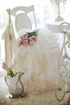 Beautiful.. S ℎ a b b y . C ℎ i c  love pitcher for flowers