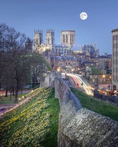 If you're looking for a truly medieval city - not to mention Roman, and Viking - York is definitely the place for you. Thanks to @matthillierphotographer for the #regram #York #YorkMinster #OMGB