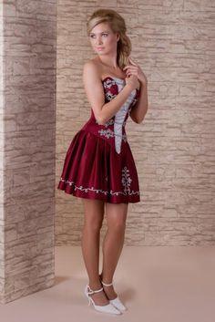 Menyecskeruha - Menyecske ruha Cute Dress Outfits, Super Cute Dresses, Pretty Dresses, Hungarian Women, Fantasy Dress, Female Girl, Elegant Dresses, Lady In Red, Dress Up