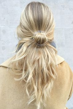 Brooklyn stylist #LizTeich with her golden locks and our Lucite Laboratory Hairclip -Clear -Transparent