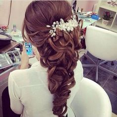 """Love or hate? Follow @weddingfash @wedding.diaries @fantasybride @diamondsdiary"""