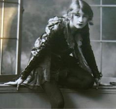 Violet Trefusis - in the late 1920s, [her great love] Vita would go on to have one of the most famous lesbian affairs in world-wide history with writer Virginia Woolf. - http://jenniferfabulous.blogspot.com/