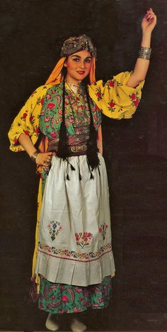 Traditional festive village costume from the Gaziantep province (on the Syrian border).   Ethnic group: Barak Türkmen.  Mid-20th century.