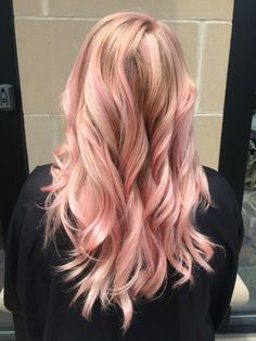 Pink moscato. Artist- Nonia Wolf www.hairbynonia.com  Lanza hair color #lanza #color #rosegold #hair #curls