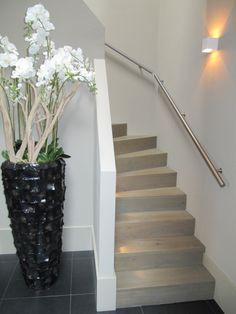 Trapleuning Modern Stairs, Stairways, Foyer, Railing Ideas, Rvs, Living Room, House, Home Decor, Stair Handrail