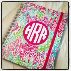 when your in my back pack you will definitely find a Lilly agenda, this way I can keep everything nice and neat!