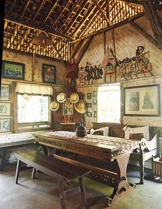 Rustic: A dining room set in the Pawon area. (Photo by Mary Sasmiro).