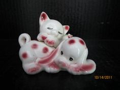 Sleeping Cat and Dog Salt and Pepper Shakers by ShakerGirl on Etsy, $8.00