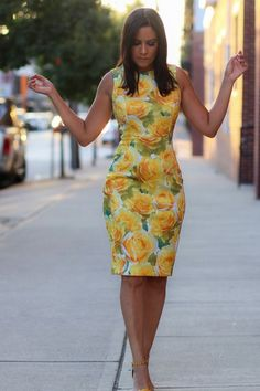 Yellow Floral Dress Source by dresses Simple Dresses, Elegant Dresses, Pretty Dresses, Beautiful Dresses, Casual Dresses, Dresses For Work, African Fashion Dresses, African Dress, Yellow Floral Dress