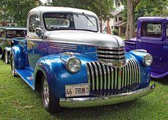 1946 Chevrolet Half Ton Pick Up Truck Vintage Pickup Trucks, Old Pickup, Ford Pickup Trucks, Dodge Trucks, Chevrolet Trucks, Vintage Cars, Hot Rod Trucks, Cool Trucks, 1946 Chevy Truck