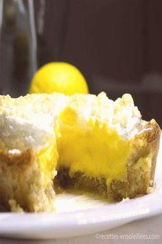 Lemon meringue pie – Recipes-Sunny – Keto Diet: What is a Ketogenic Diet? Pear Dessert Recipes, Desserts Keto, Keto Dessert Easy, Pie Recipes, Easy Desserts, Gourmet Recipes, Low Carb Recipes, Vegetarian Recipes, Lemon Meringue Cheesecake