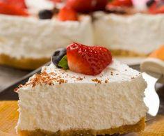La torta allo yogurt è un dolce fresco e gustoso, molto indicato da consumare durante l'estate. Scoprite con la nostra ricetta come prepararla!