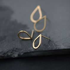 loving the delicacy of minicyn jewelry - more accessory inspiration at jojotastic.com