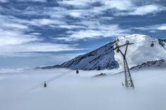 Ha április akkor gleccsersí! Ezen a napon 2600-2700 m-es felhőhatár volt, felette ragyogó napsütés! Salzburg, Mountains, Nature, Travel, Kaprun, Photograph Album, Naturaleza, Viajes, Destinations