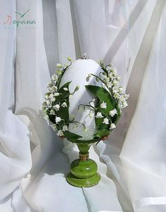 "пасхальный сувенир "" Ландыши"" 90 $ Egg Crafts, Easter Crafts, Eggshell Mosaic, Seasonal Decor, Holiday Decor, Easter Projects, Faberge Eggs, Easter Celebration, Egg Shape"