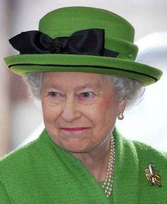 Queen Elizabeth, May 24, 2006 in Frederick Fox | Royal Hats