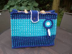 Tutorial on how to crochet your own AH bag