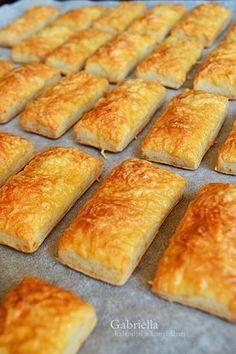 Gabriella kalandjai a konyhában :): Ecetes sajtos ropogós Cookie Recipes, Snack Recipes, Dessert Recipes, Homemade Crackers, Savory Pastry, Salty Snacks, Hungarian Recipes, Sweet And Salty, Winter Food