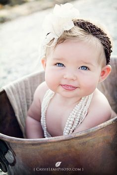 beautiful baby -eyes are way overdone but beautiful nonetheless     #cute #babies