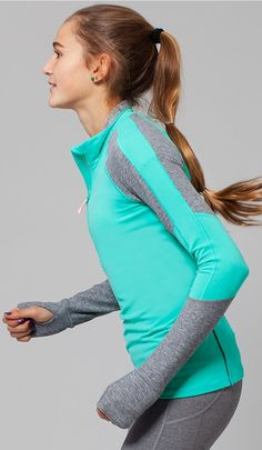 the perfect cozy layer to pull on after practice. | Trail Racer Pullover