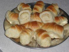 Žužu slane kiflice - Slana i slatka peciva - New Recipes, Bread Recipes, Cooking Recipes, Recipies, Butter Croissant, Snacks Für Party, Bread And Pastries, Dough Recipe, Dessert