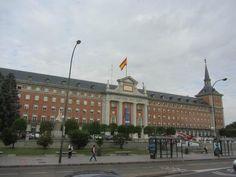 https://media-cdn.tripadvisor.com/media/photo-s/07/70/8a/1b/cuartel-general-del-ejercito.jpg