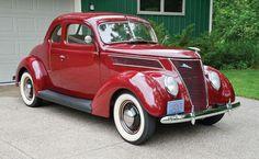 Vintage Cars 1937 Ford Five-Window Coupe Ford Motor Company, American Classic Cars, Ford Classic Cars, Auto Retro, Retro Cars, Bugatti, Lamborghini, Super Pictures, Cool Old Cars
